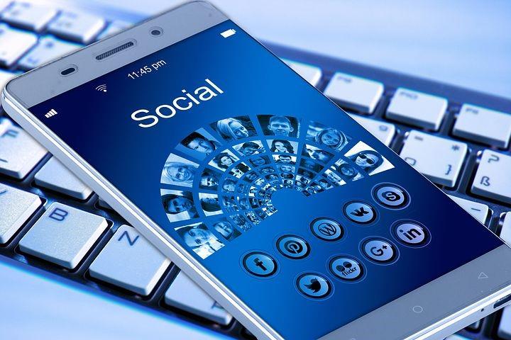 携帯電話, スマートフォン, キーボード, アプリ, インターネット, 通信網
